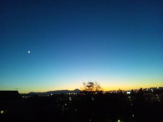 秋は、夕暮れ